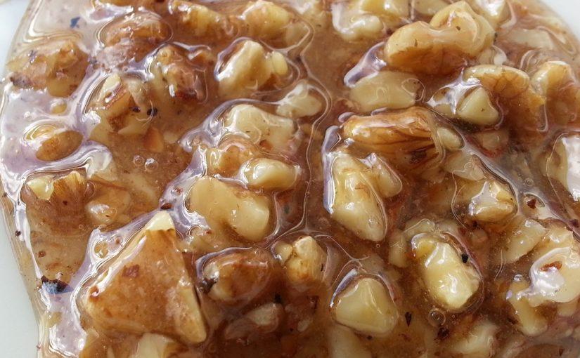 Walnüsse in Honig