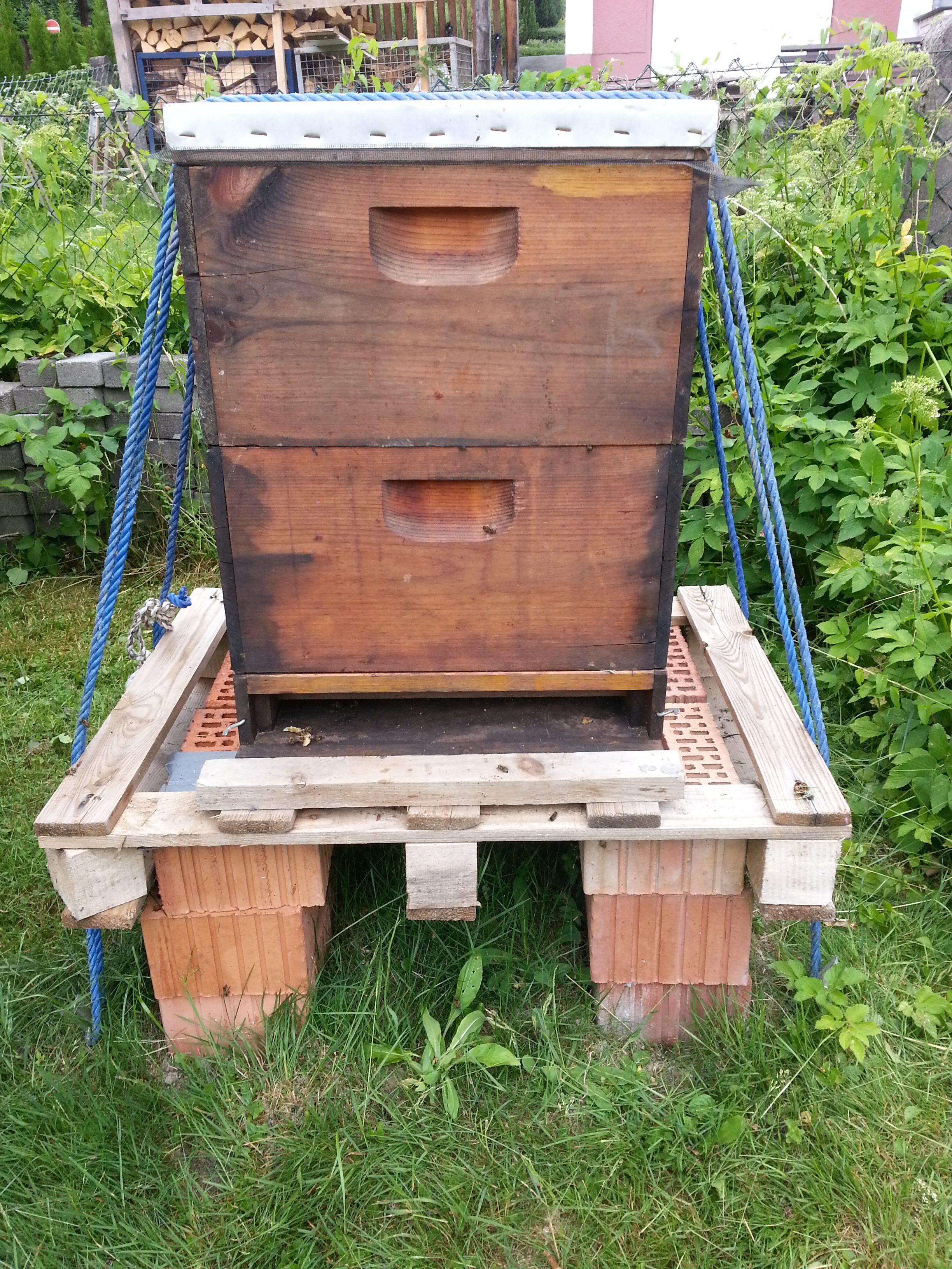 Holz-Bienenbeute